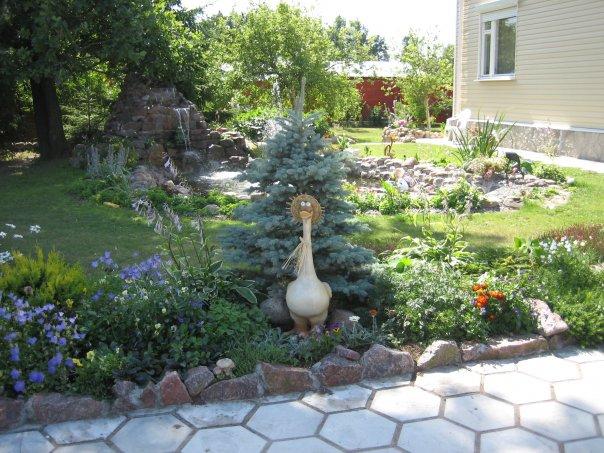 Садовые фигурки на участке